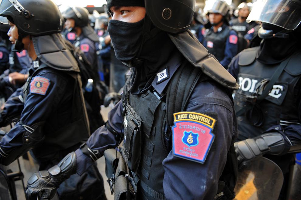 タイ警察の職務質問