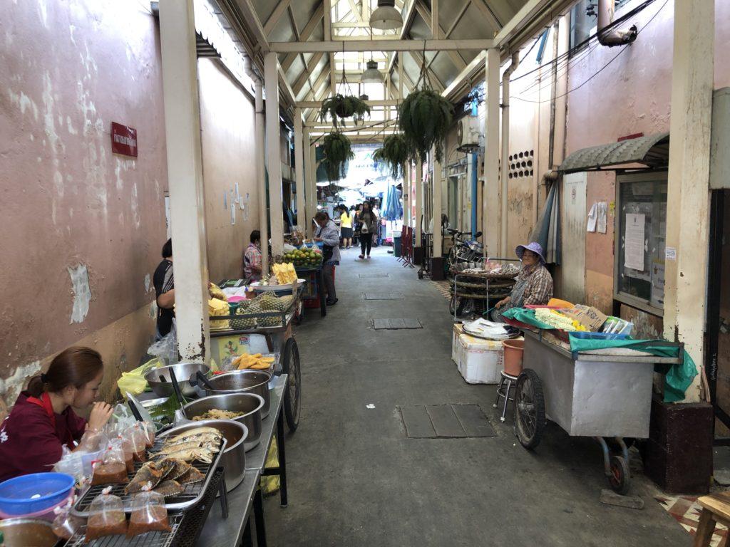 ナーンルーン市場