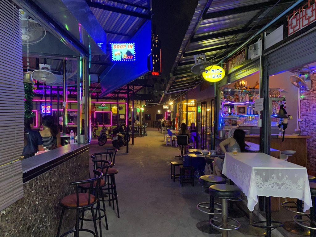 バンコク最大のバービア街